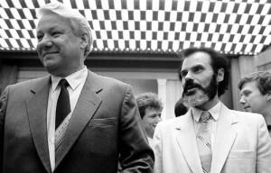 Алексей Иванович Казанник (справа)